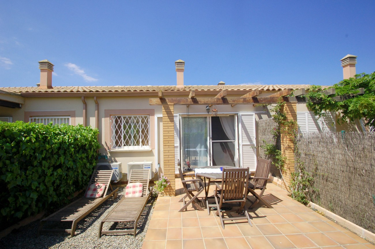 Huizen in torroella de montgri dar 2d 137 a c geen for Huis trappen prijzen