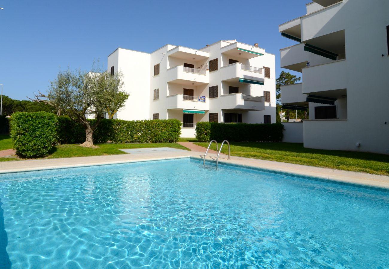 Apartment in L'Escala - APARTMENT CALA MONTGO 11 2D