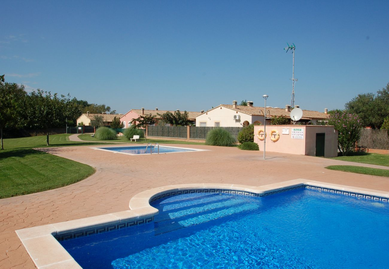 House in Torroella de Montgri - Daró 3DB 115 - Aircon, Wi-Fi, BBQ, pool
