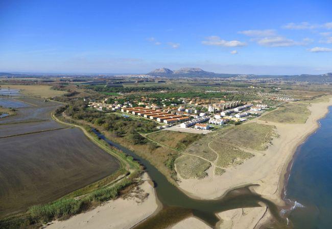 Apartment in Torroella de Montgri - Mas Pinell TER 11D & 12D - Close to the beach; WiFI, BBQ