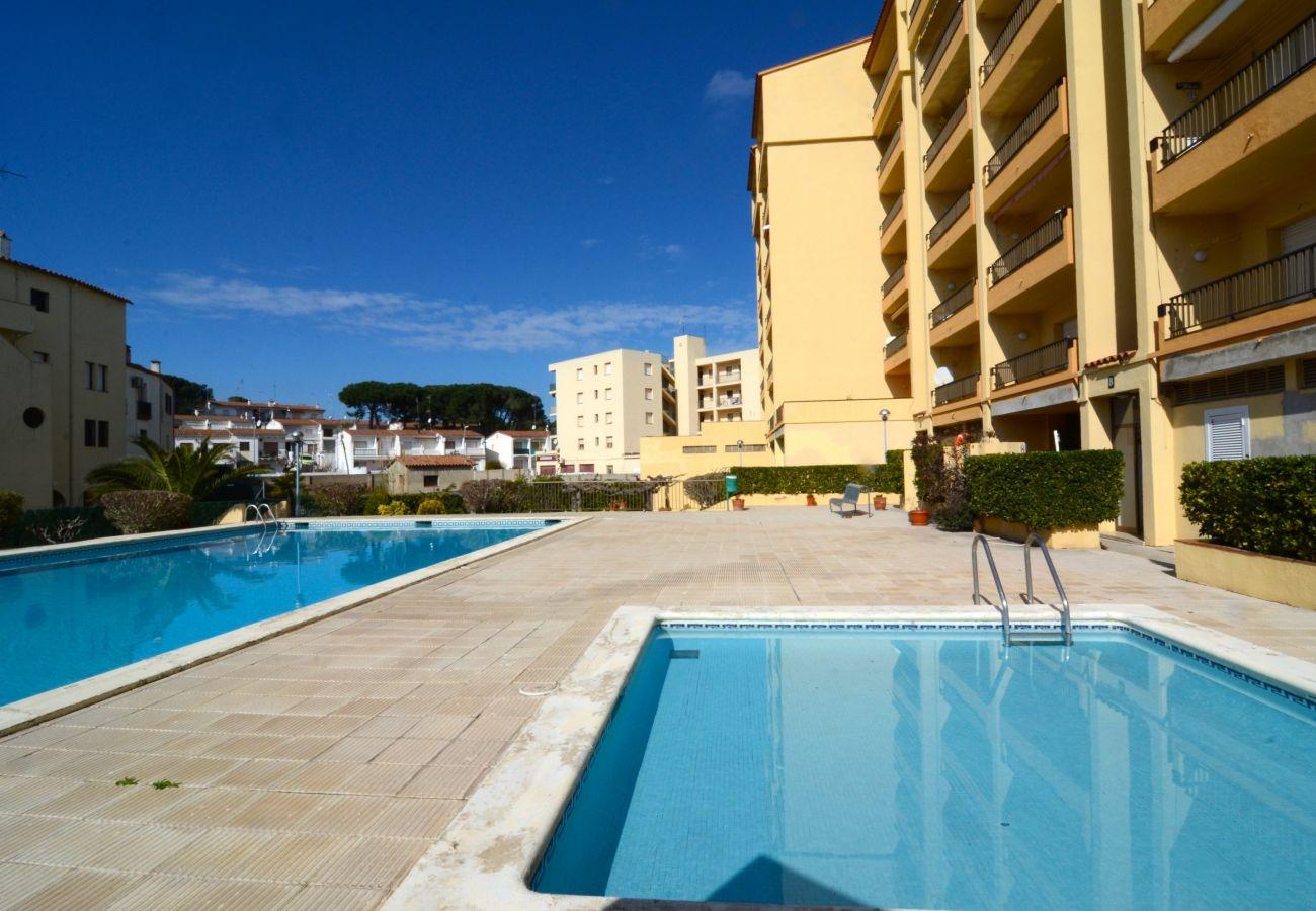 Apartment in L'Escala - MAR BLAU L'ESCALA B