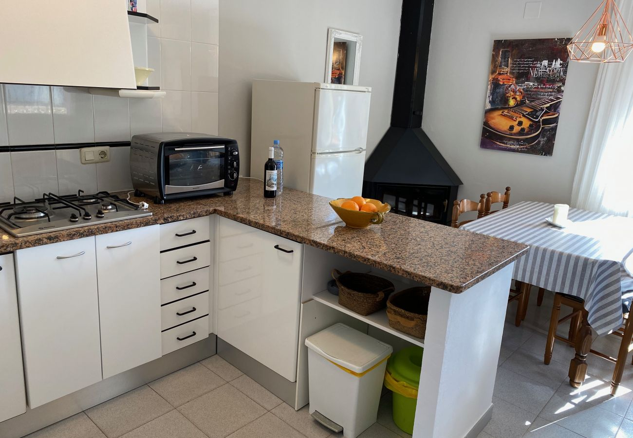 Apartment in Torroella de Montgri - Casa Andrea, Aircon, terrace, TV SAT