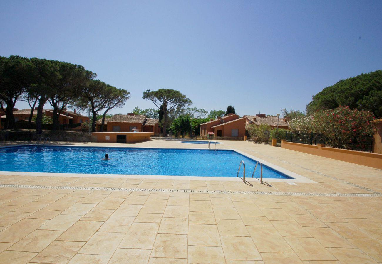 House in Torroella de Montgri - Gregal 81 aircon, pool, private garden